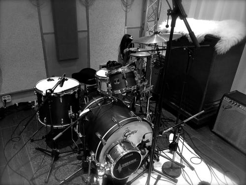 Recording drums